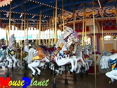 Another not-so-secret secrets is that every horse on the carousel is white (photo by Karl Buiter).