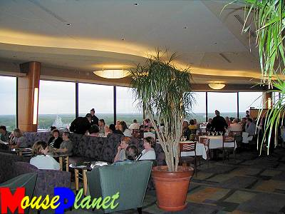 California Grill's lounge seating area