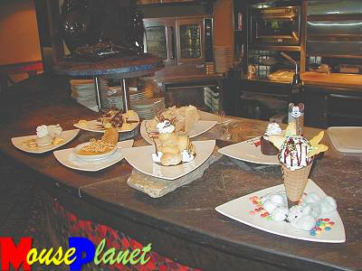 Desserts at the Kona Cafe.