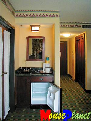 The junior suite's wet bar