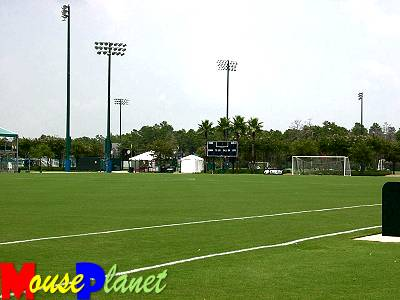 Disney world 12 jours de rêves en image Football_and_soccer_field_holland